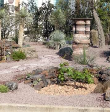 lavori giardino agosto piante grasse
