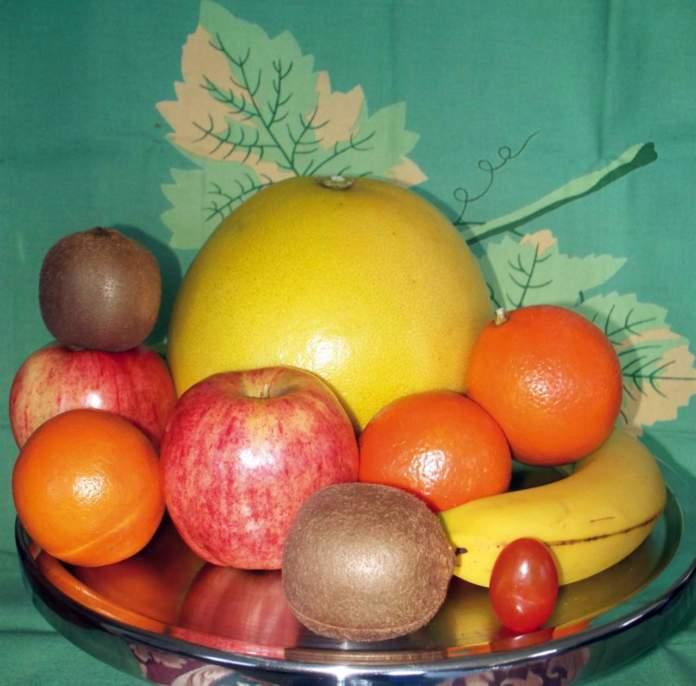 mele matura alzata frutta